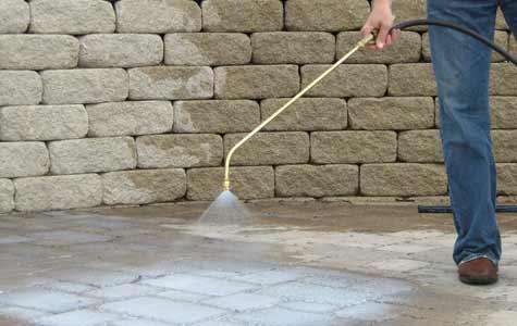 Aanbrengen beton impregneer, aanbrengen beton impregneermiddel, beton impregneren, beton waterdicht maken, beton sealen, beton sealer aanbrengen, beton impregneermiddel aanbrengen, beton vernevelen