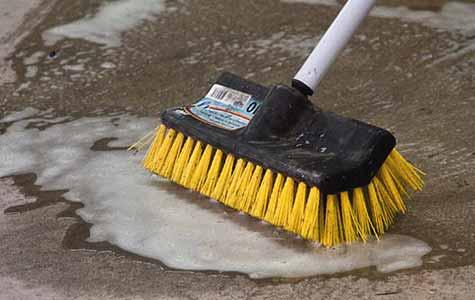 Aanbrengen beton impregneer, voorbereiding beton impregneren, beton schoonmaken, beton impregneren, beton voorbereiding impregneren